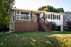 Home for Sale in Woodlawn Neighborhood!