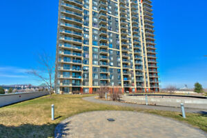 Blue Rivage condo  2 bedrooms,  next to Longueuil Metro Station
