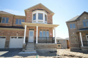 WOW!Brand New Never Lived  at Woodland Hills Newmarket $2000+Uti