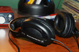 Sennheiser HD 202 Headphones - Perfect Condition