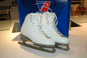 Ladies Riedell Emerald 8.5 med figure skates