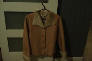 manteau court grandeur 5 ans.pour jeune-fille ou femme