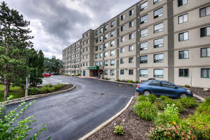 Great opportunity 2 bedroom and 2 full  washroom condo,