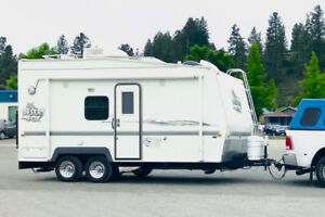 2004 Desert Fox Toy Hauler 17VS, immaculate