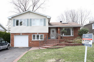 Beautiful home , 4 bdrms in excellent location