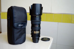 NIKON 70-200mm f2.8 VR lens in excellent condition