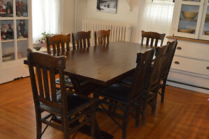 PEDESTAL DINING TABLE WITiH *8  MISSION CHAIRS