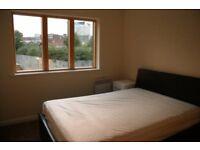 En suite in a 2 Bed Apt- 5 mins from New Street
