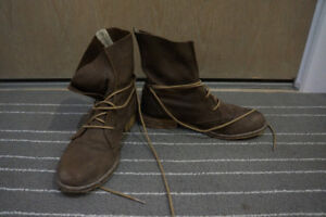 Steve Madden brown suede leather 8 shoes