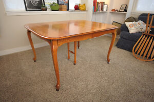 Oak table, four chairs