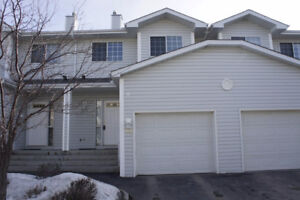Spacious Townhouse In Hawkwood For Rent