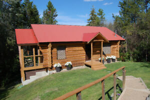Log Home, 1 acre, Lac Le Jeune. 15m to Kamloops 2hr to Coast