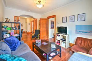 MILE-END AREA! Large and Bright 4 1/2 In The Trendy Mile-End!