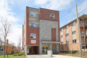 Summer sublet ( May to Aug) , all inlcusive 5 yrs new building