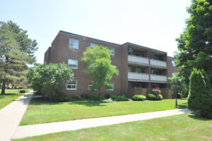 SPACIOUS GROUND LEVEL CONDO - OPEN HOUSE - SUN AUGUST 26 - 2-4PM