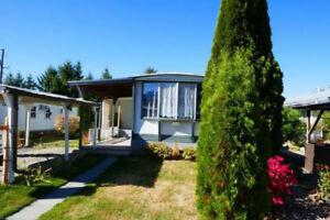 Well Kept Mobile Home in Creston Valley Mobile Home Park!