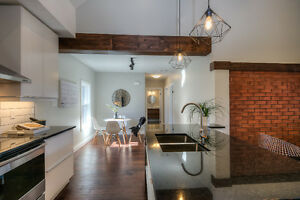 NEWLY RENOVATED 2 Bdrm Modern Conveniences, High-end Finishes