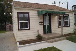 Newly renovated bungalow move in ready! East London