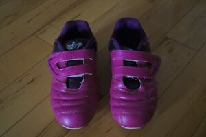 Girls size 2 soccer cleats