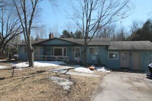 BEAUTIFUL 4 BEDROOM BUNGALOW MINS TO BOBCAYGEON $289,800