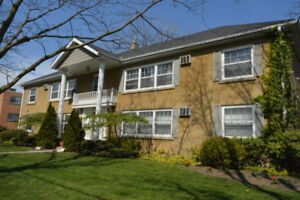 LARGE APARTMENT FOR RENT NEAR DOWNTOWN BURLINGTON
