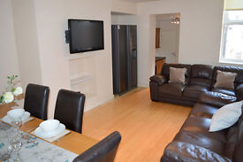 Taylored Lets are pleased to advertise a room in this fabulous 6 bedroom maisonette in Heaton.