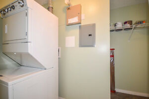 Corner unit, 2bd/2bath/2stalls, fresh paint, new floor-all done! Edmonton Edmonton Area image 9
