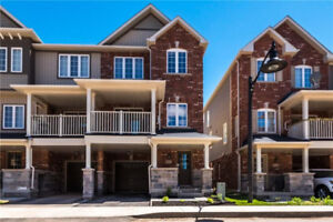 3 Bedroom Townhouses in Ancaster For Under $710,000!