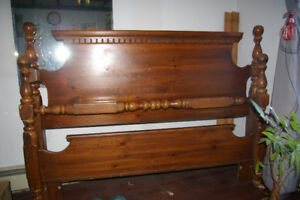 Kroehler Queen or Double BED Frame