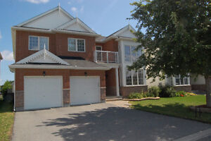 Stunning 4 Bedroom Executive Home In Barrhaven!