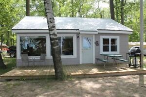 Ipperwash Beachfront Cottages! 3 Bedrooms! Airconditioned!