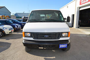 2007 Ford E-250 Cargo Van Accident Free Only 99 Km Oakville / Halton Region Toronto (GTA) image 2
