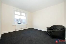 2 bedroom flat in Charles Street, Boldon Colliery, NE3