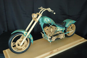 chopper miniature en bois