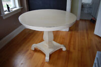 Gorgeous Country Round Table