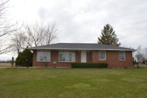 House for Rent near 401 on Manning  in Tecumseh