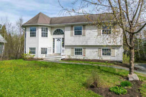 Move in ready split entry home in Lower Sackville! 103 Haddad Dr