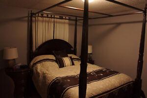 Bedroom furniture 5 piece set (queen and dressers)