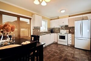 Beautiful townhouse in sought after neighborhood in Angus