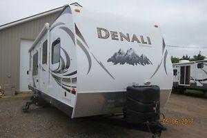 2013 Denali 33'