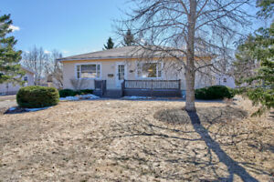 Stunning in-law-suite with large lot in Dieppe