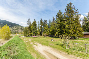 422 Finlayson Street, Sicamous - Prime Highway #1 Commercial