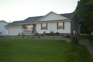 1273 Salisbury Road / Great house, fabulous lot and view!