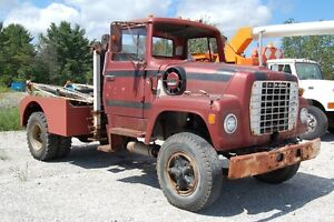 1972 Ford L900 Wrecker