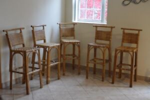 Excellent Condition Wicker Bar Stool Set of 5 - only $79!!!