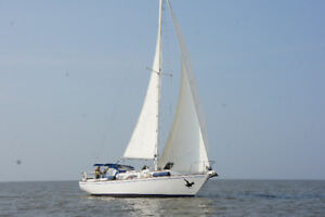 1973 Pearson 35' (For Sale $25000, 1/3rd Partnership $8000)