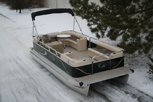 New 2016 20 ft. Grand Island G series pontoon. L bench cruise