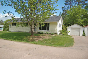 """NEW PRICE"" FOR SPACIOUS BUNGALOW   ID# 1005237"