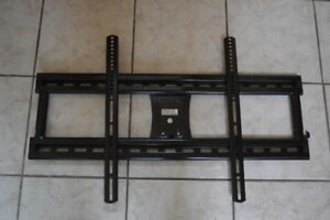UNIVERSAL TV WALL MOUNT BRACKET - FIXED