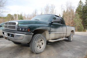 2001 Dodge Power Ram 1500 Pickup Truck